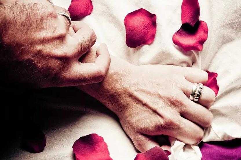 hechizos faciles para enamorar a un hombre locamente